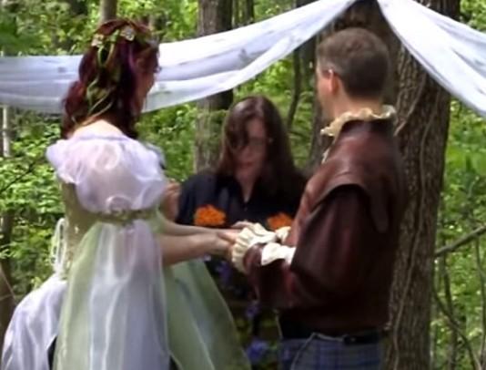 8 Best Pagan Wedding Vows